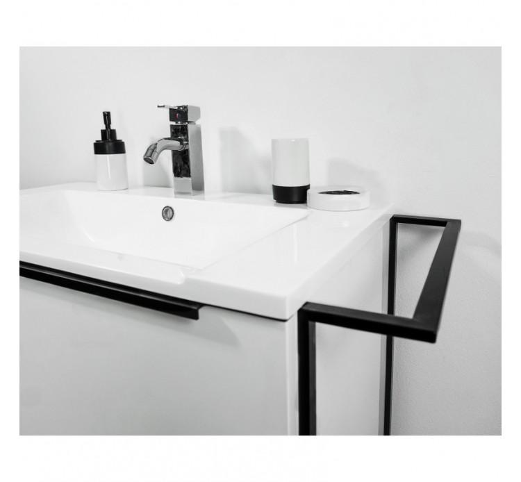 Mobile bagno bianco incluso di lavabo colonna e specchio for Mobile bagno minimal